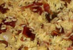 arroz-com-bacon-e-calabresa